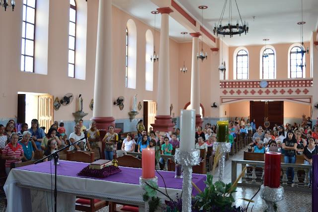 ADVENTO: Fieis celebram ultimo domingo do Tempo do Advento.