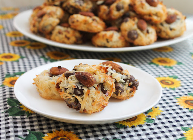 Food Lust People Love: Almond Joy Coconut Macaroons are sweet and chewy and just the slightest bit salty, with loads of flakey coconut, chopped almonds and dark chocolate. You will not be able to resist them! P.S. They are naturally gluten free.