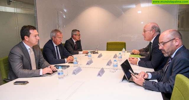 Sebastián Franquis comunica a la dirección de AENA el objetivo del Gobierno de Canarias de negociar con el Estado la entrada del Archipiélago en su consejo de administración