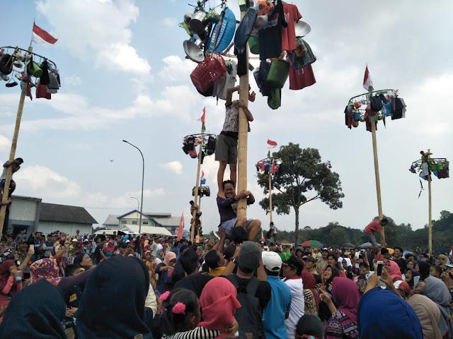 Panjat Pinang dan Lomba Bidar, Cara PTBA Promosikan Tanjung Enim Kota Wisata