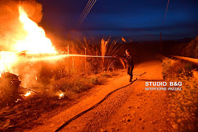 Πυρκαγιά  σε ποιμνιοστάσιο στο Άργος (βίντεο)