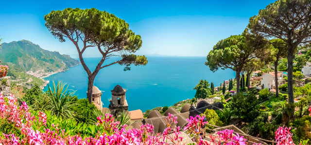 Praia de Castiglione no sul da Itália