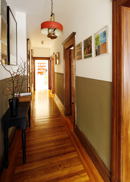 Refresheddesigns.: Living Happily With Wood Trim