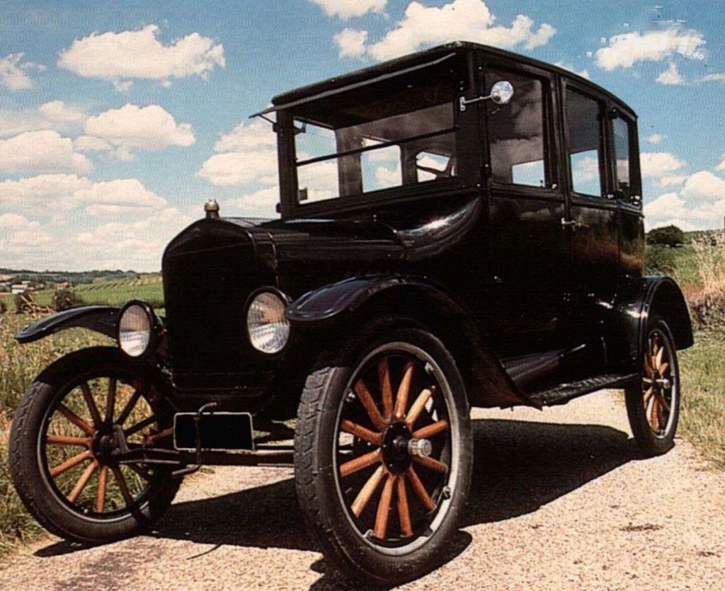 car in 1908 Ford Model T