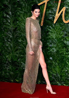 Kendall Jenner Slim  Goes  At British Fashin Show 2018 WOW     small  slim figure CEleBrity.co Exclusive 014