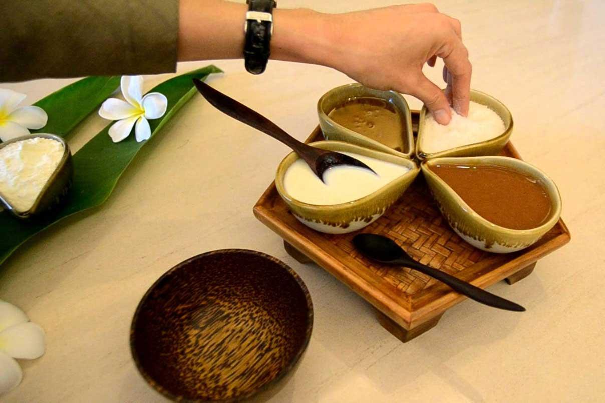 manfaat kegunaan tujuan kelebihan keuntungan kelemahan bahaya efek samping kekurangan luluran di salon kecantikan kapster beauty therapist pekerjaan blogger vlogger indonesia jenis macam treatment perawatan layanan pijat massage plus