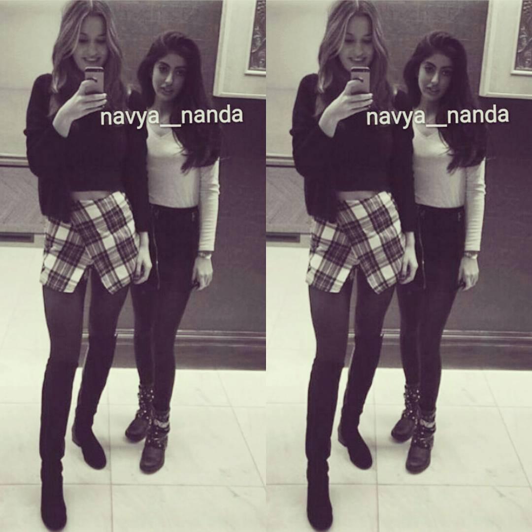 Navya Nanda with Aryan Shahrukh Khan - Son of Sharukh Khan Spicy Pics HQ