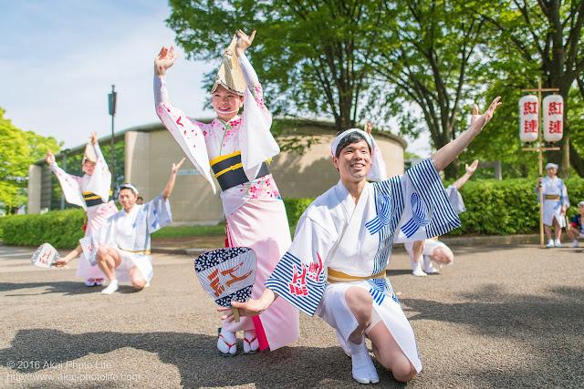 紅連の阿波踊り、舞台構成、飯村君&可菜さんの写真