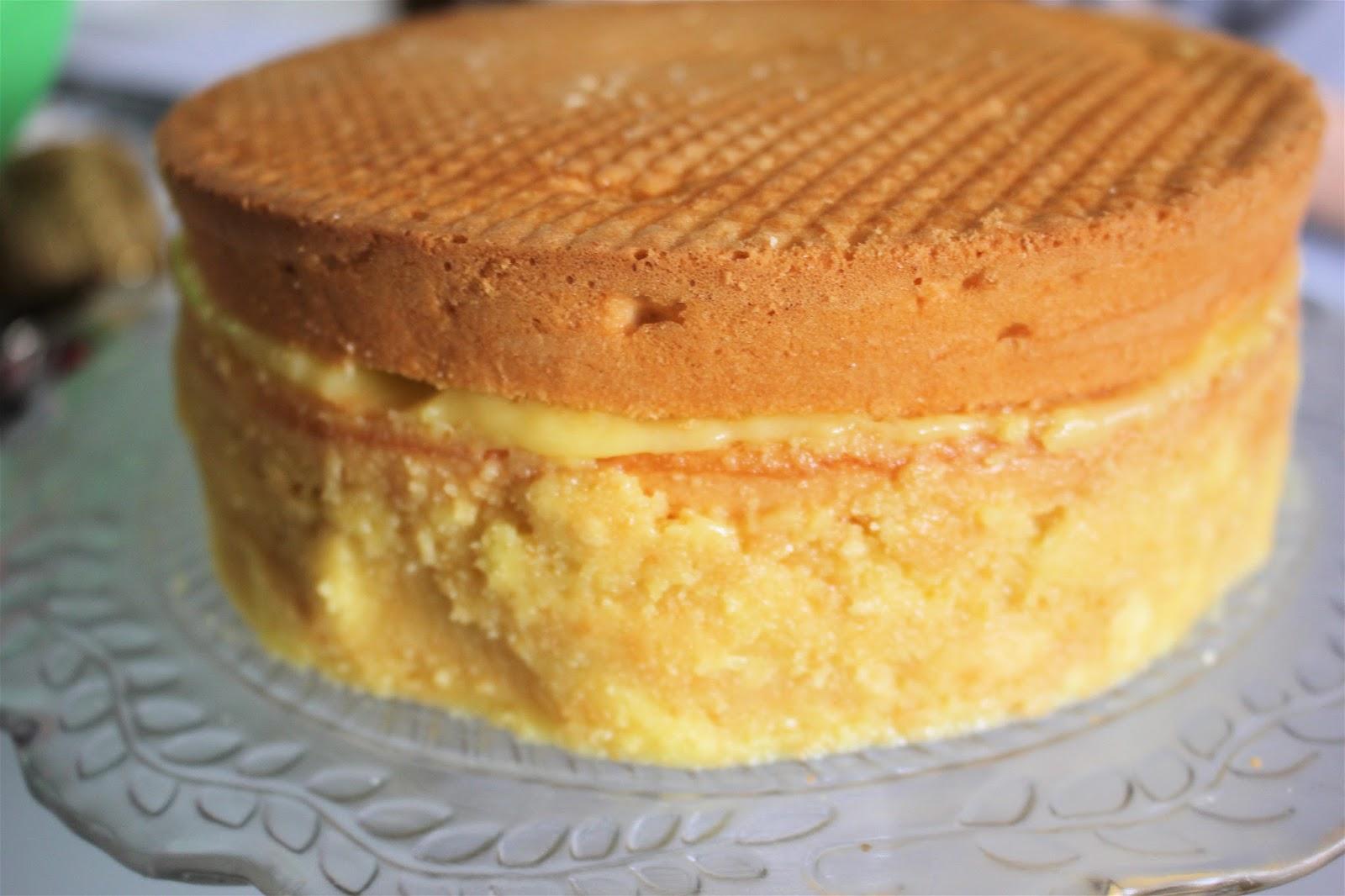 Die Landfrau Lemon Curd Torte