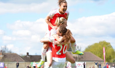 Arsenal Ladies Celebrating