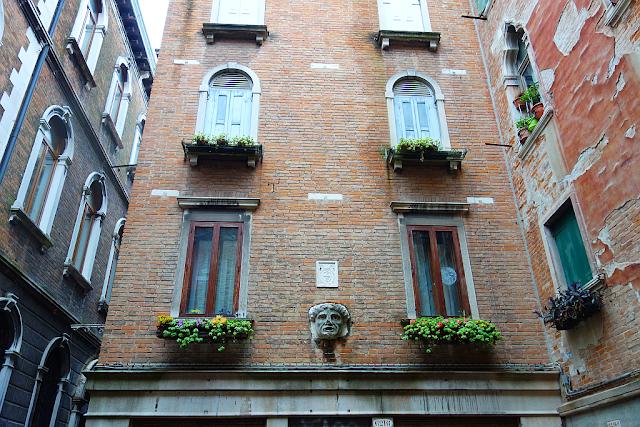 Jeden z nejobávanějších domů v Benátkách, kat, rozsudek smrti, zajímavosti v Benátkách, kam v Benátkách, co vidět v Benátkách, záhady Benátek, tajemství Benátek