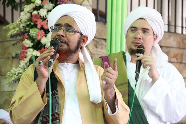 Habib Umar bin Hafidz: Jangan Bawa Urusan Poliitik di Masjid !!