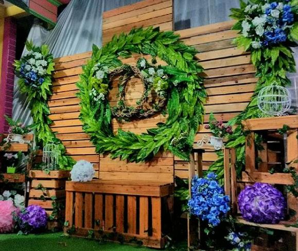 Dekorasi Backdrop Photobooth Pernikahan unik dan klasik