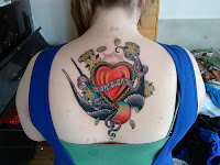 tatuaje mamma a color en la espalda