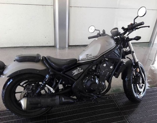 Honda CMX500 Rebel Review image
