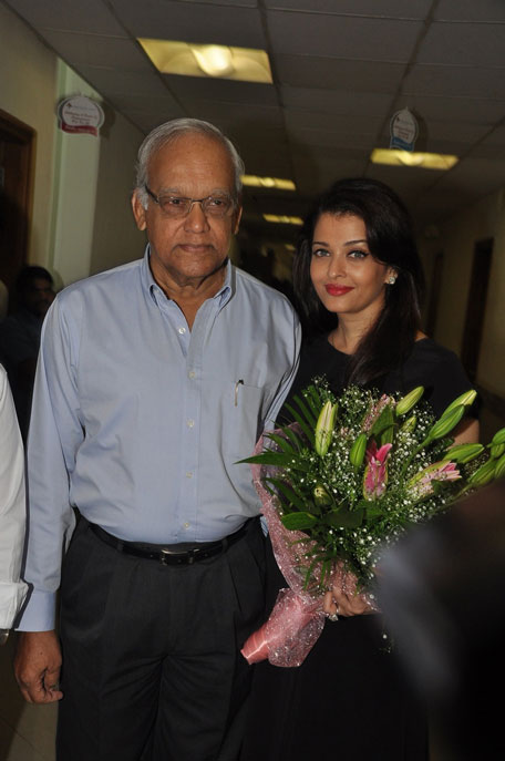 Bollywood Film Actress Aishwarya Rai With Her Father