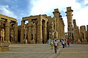 Candi Luxor