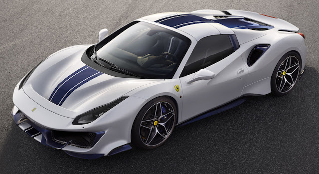 フェラーリ 488ピスタ・スパイダー