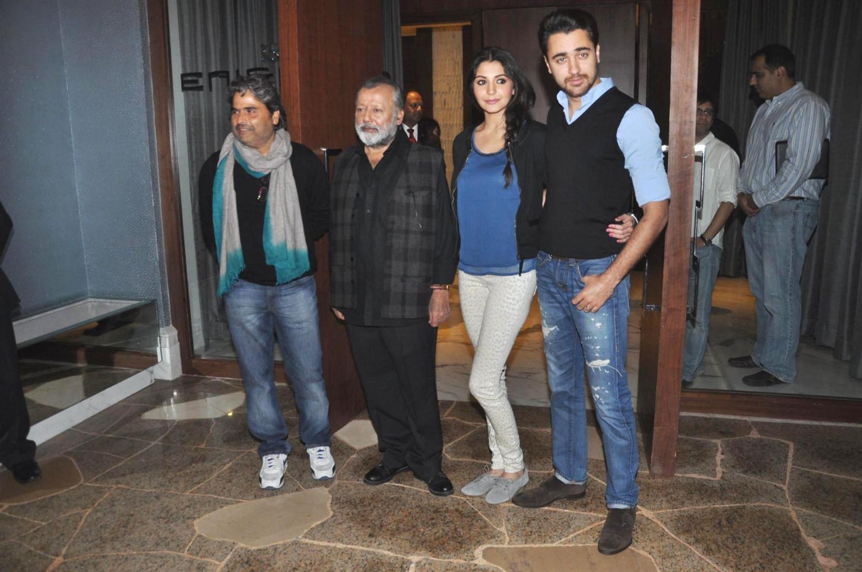 Anushka sharma and imran khan at matru ki bijlee ka mandola press conference.