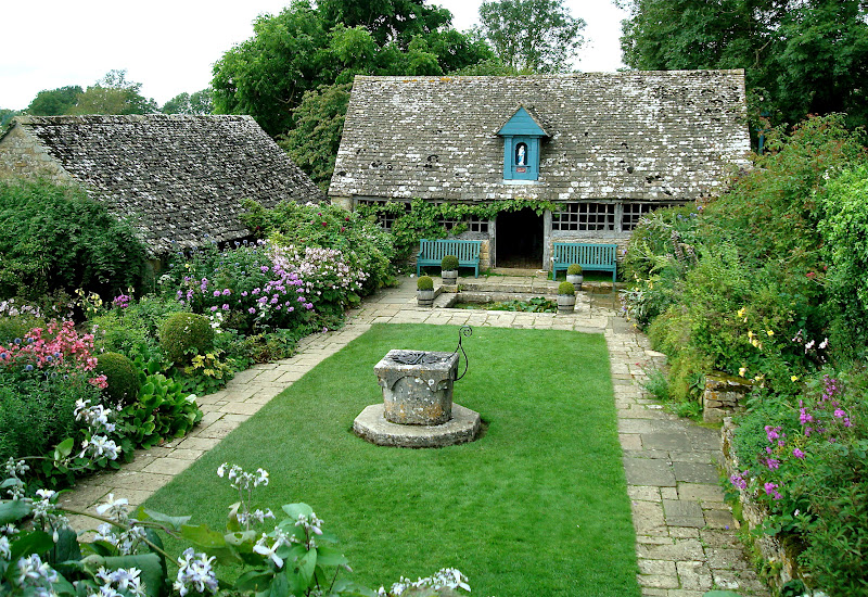 A Mermaid's Tale: Cotswolds Revisited on My Dream Patio  id=63390