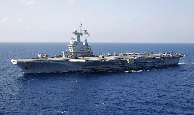 Charles de Gaulle Aircraft Carrier - França