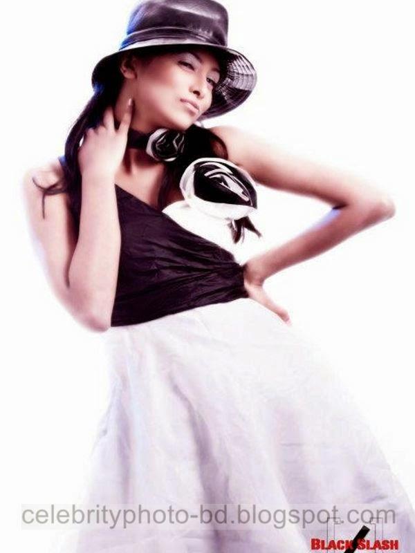 Ramp Model Mumtaheena Toya Studio Black Slash PhotoShoot And Hot Pose