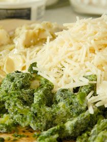 white cheddar spinach and artichoke mac-n-cheese (sweetandsavoryfood.com)