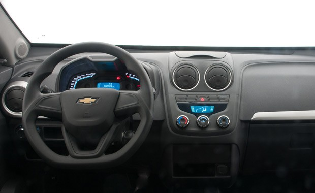 Chevrolet Montana 2017 LS - interior
