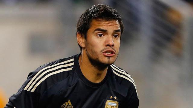 سيرجيو روميرو يطالب بترك مقاعد البدلاء فى مانشستر يونايتد