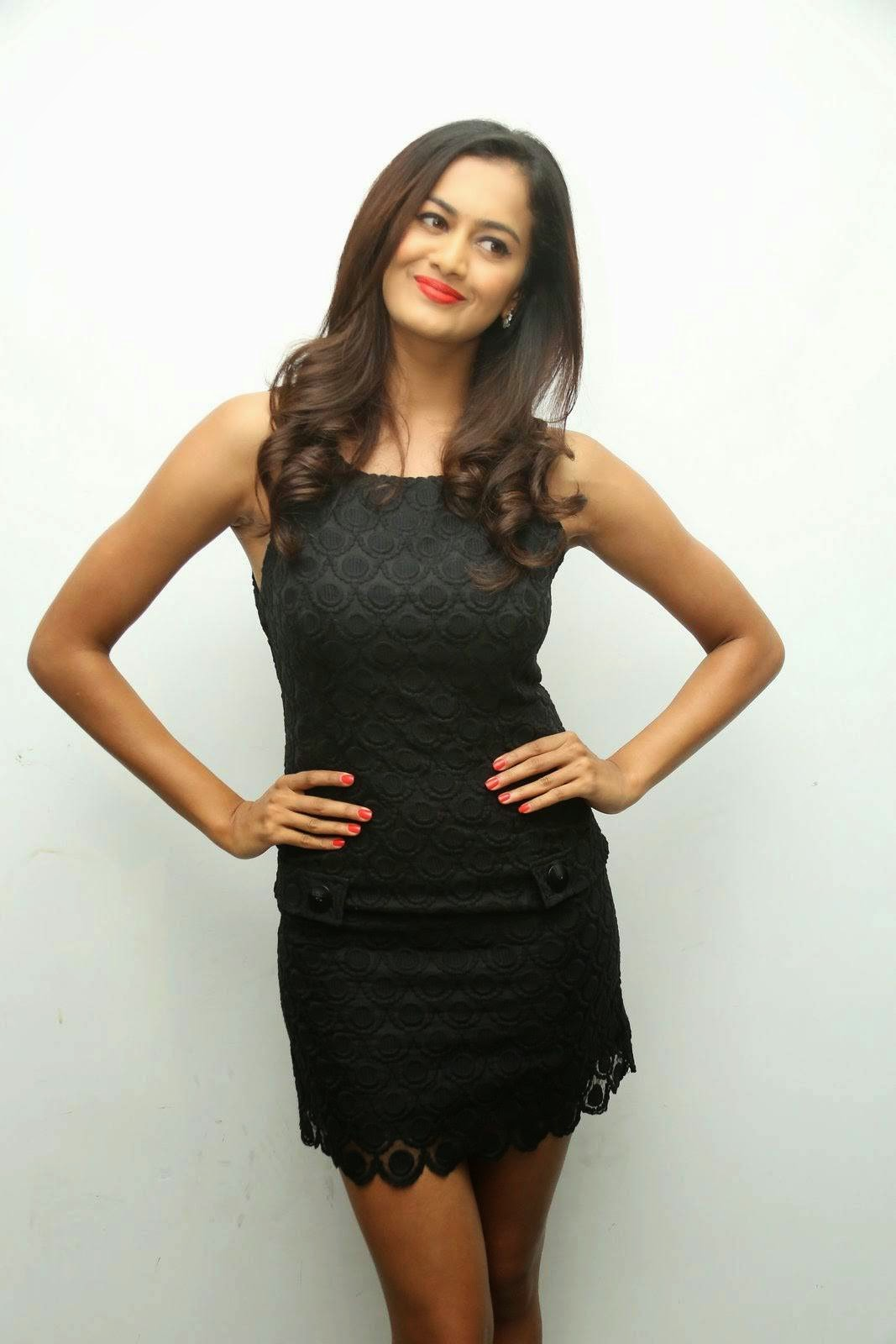 Actress Subra Aiyappa Wallpapers, Shubra Aiyappa Sexy Hot Figure images in Black Dress