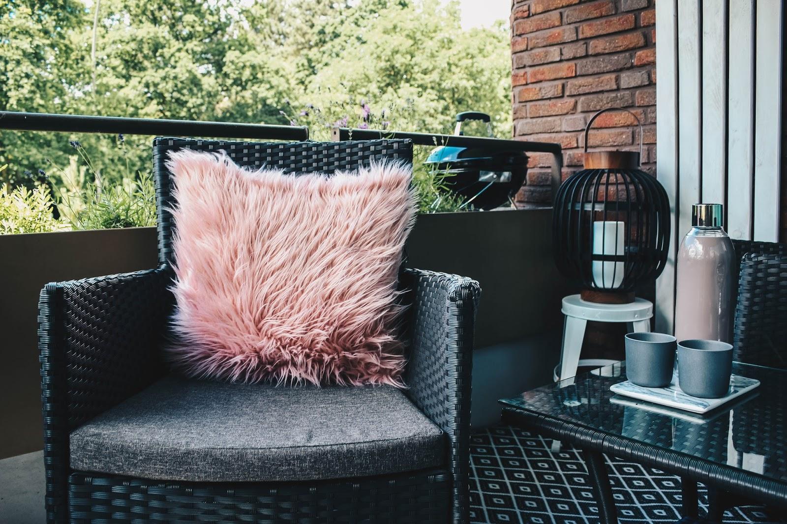 living sommer auf dem balkon fashion whisper bloglovin. Black Bedroom Furniture Sets. Home Design Ideas