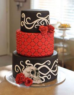 Romantic and Spookiest Halloween Wedding Cakes