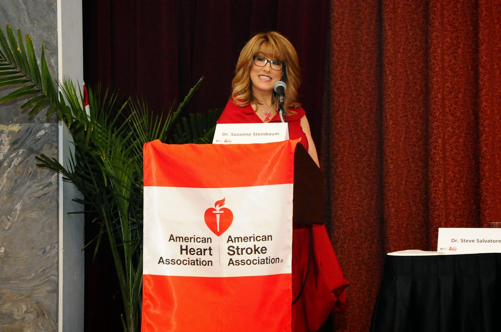 Dr. Suzanne Steinbaum a Grain Foods Foundation Scientific Advisory Board Member and American Heart Association Go Red For Women Spokesperson