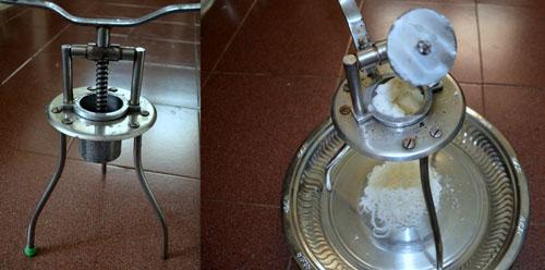 making sevai using sevai nazhi/sevai maker