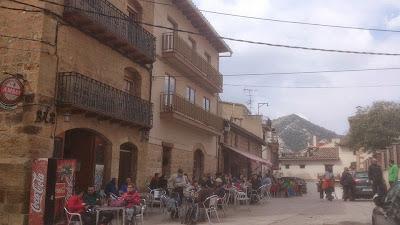 Marcha senderista de la Comarca del Matarraña Matarranya,bar, palau, cervecería