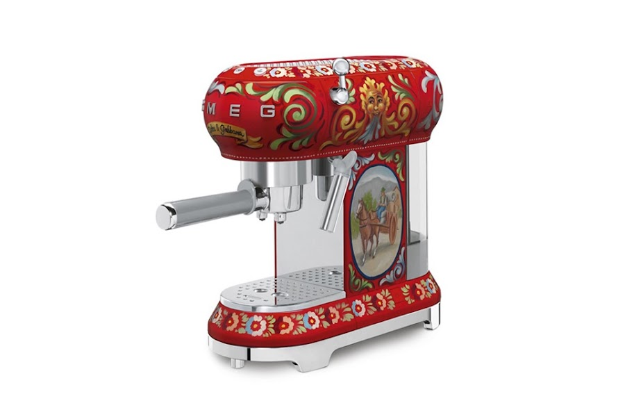 dolce gabbana smeg coffe machine