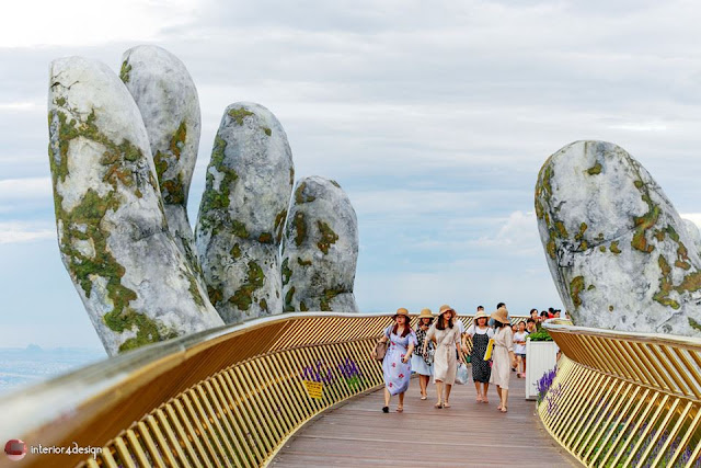 The Golden Bridge Which Adheres To Giant Hands  Is A New Attraction In Vietnam 2