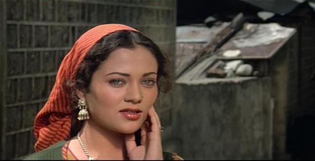 Kashmira Shah Bombshell Actress Mandaakini Old Stills-3076
