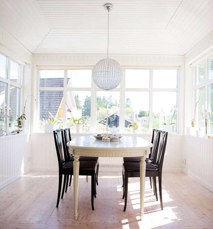 Sunroom Dining Room: COCOCOZY: THIS OR THAT: SUNROOM DINING