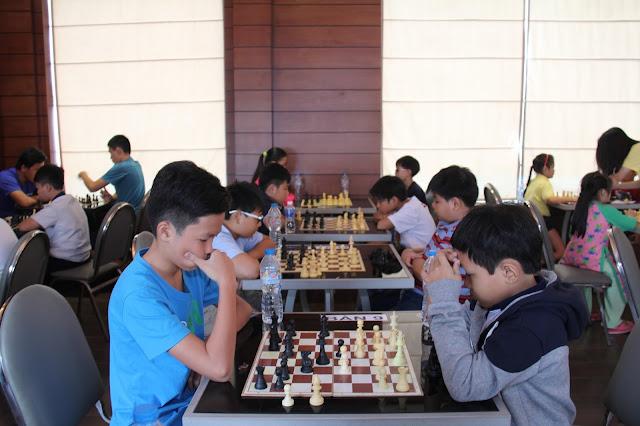 Những lợi ích tuyệt vời khi cho trẻ học cờ vua