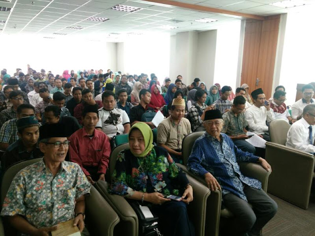 """Seminar dan Launching Buku """"Membuka Ingatan: Memoar Tokoh NU yang Terlupakan"""", di Universitas Islam Negeri Sunan Ampel (UINSA) Surabaya, Selasa (11/4/2017)."""
