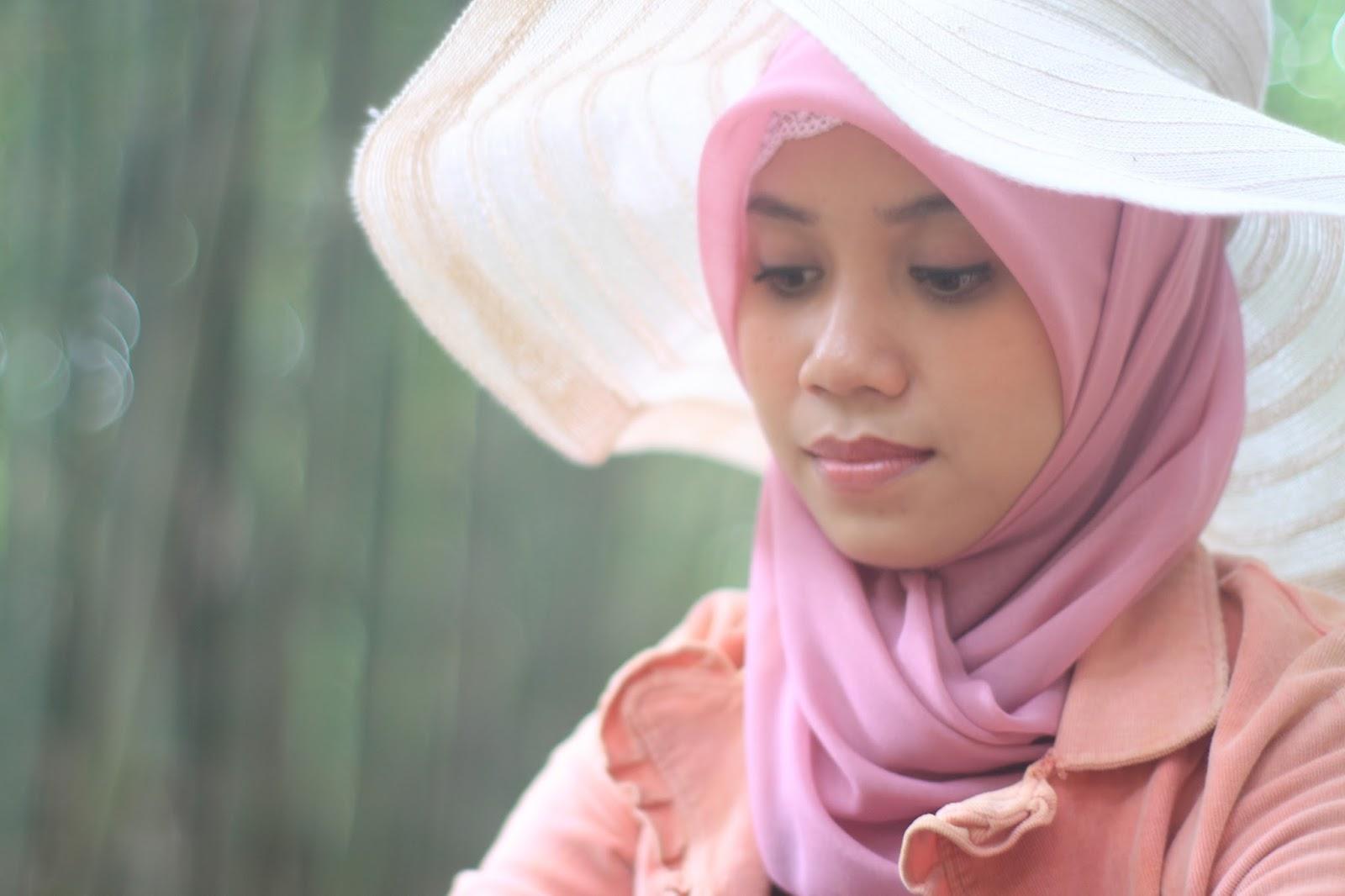 Hunting Model hijab cantik Hani Nirmalasari Jibaer Mahasiswa Kampus manis wisuda terbaru Hunting Model hijab cantik Hani Nirmalasari Jibaer Mahasiswa Kampus manis untuk kebaya