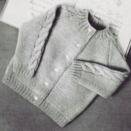 Knitted Raglan Cardigan - Free Pattern