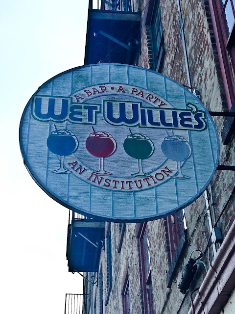 wet willies savannah