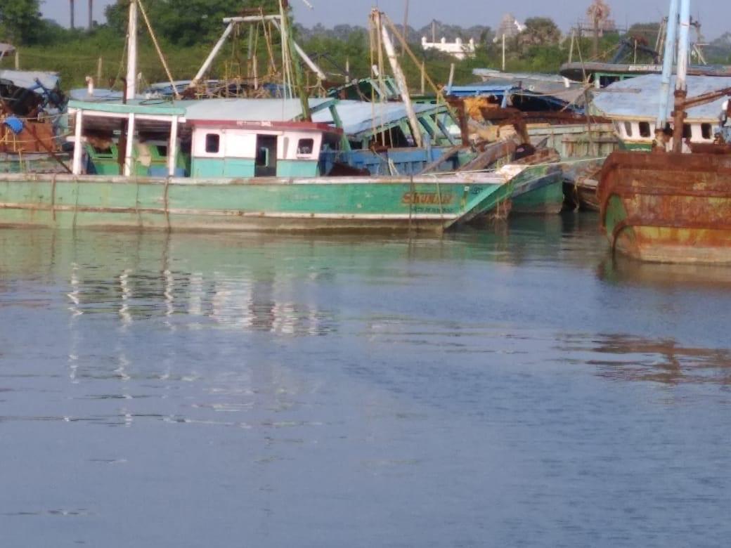 இந்திய படகுகளை மீட்க 70 பேர் கொண்ட இந்திய மீனவர்கள் குழு இலங்கை வருகை