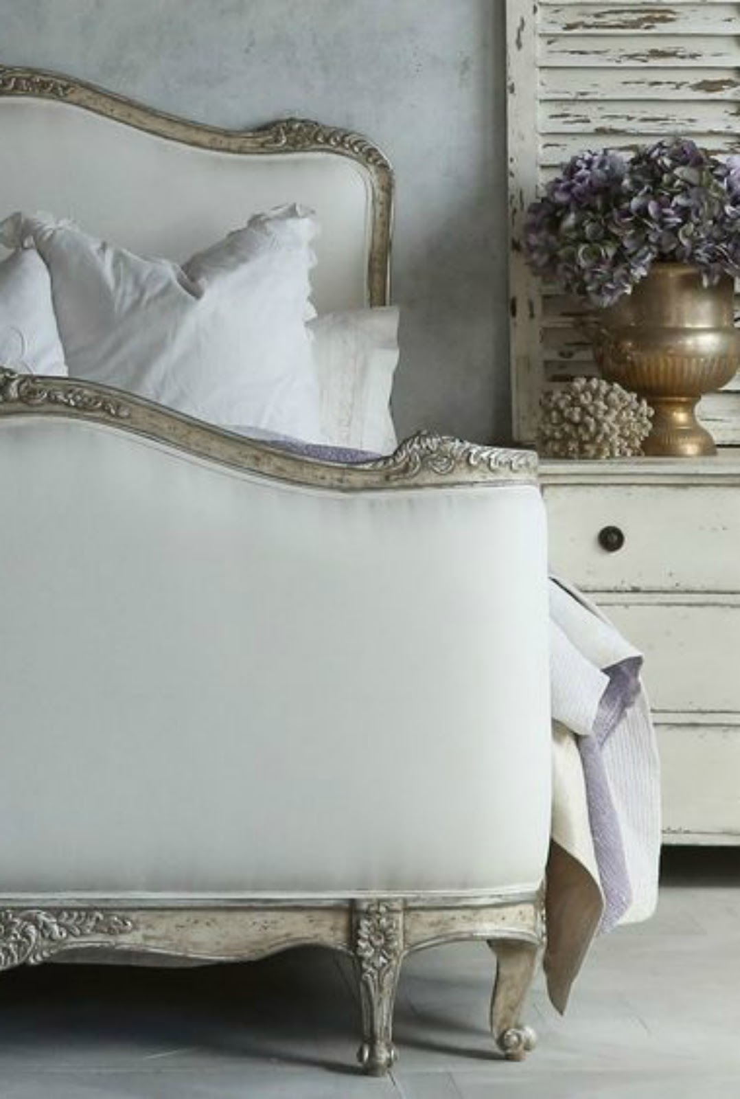 Gorgeous #FrenchFarmhouse bedroom decor on Hello Lovely Studio #FrenchCountry #homedecor
