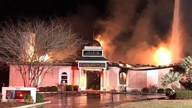 Masjid Di Texas Terbakar, Warga AS Malah Lakukan Ini