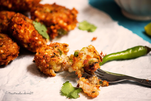 how to make Sabudana Vada recipe / Sago Fritters recipe with step by step pictures
