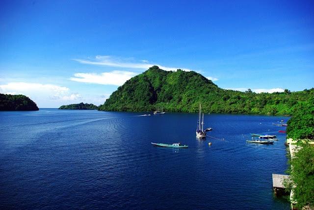 Menjelajahi Keindahan Banda Neira di Maluku Tengah