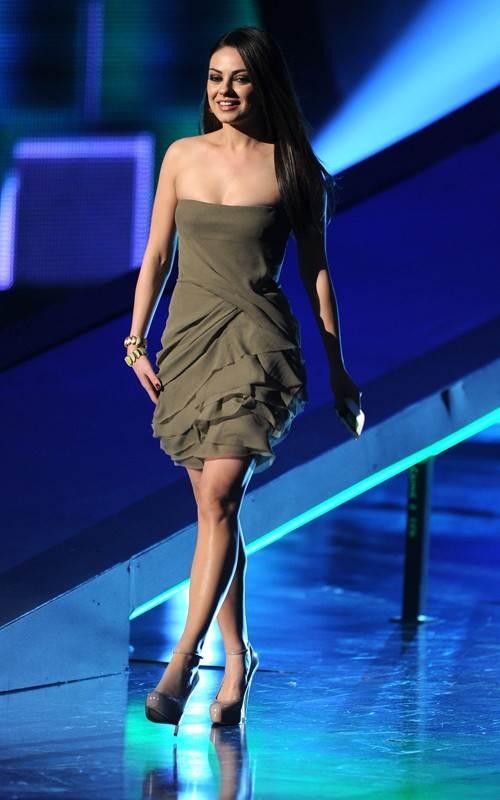 Extream Fashion Mila Kunis Hairstyles
